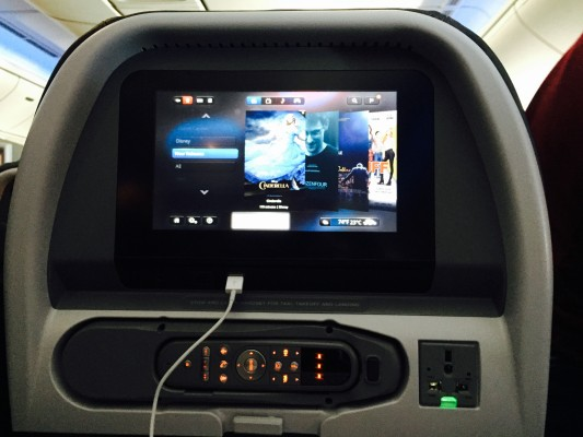 Das InFlight Entertainment System als Shut Up Toy für Erwachsene