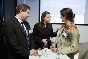 Sabine Frank im Gespräch mit Sandra Schön und Sven Volmering; Thomas Imo/ photothek.net