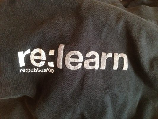 Jörans re:learn-T-Shirt von der re:publica 2009
