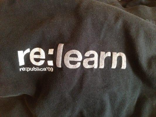 Jörans re:learn-T-Shirt von der re:publica 2009
