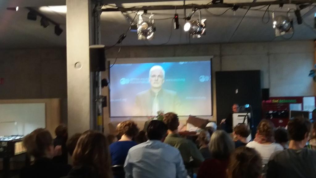 Buch-Release-Event im betahaus Hamburg, hier mit Andreas Schleicher