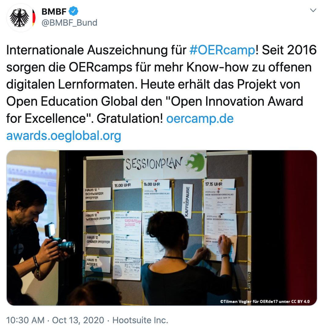 """""""Internationale Auszeichnung für #OERcamp! Seit 2016 sorgen die OERcamps für mehr Know-how zu offenen digitalen Lernformaten. Heute erhält das Projekt von Open Education Global den """"Open Innovation Award for Excellence"""". Gratulation! https://oercamp.de https://awards.oeglobal.org"""""""